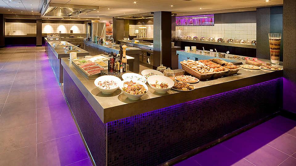 Van der Valk Hotel Breukelen - EDIT_buffet.jpg
