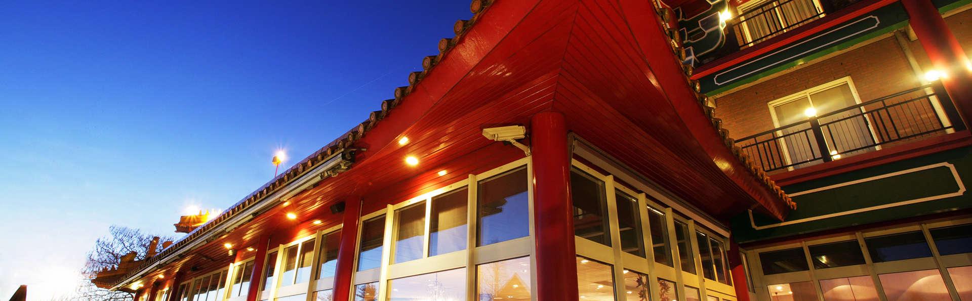 Van der Valk Hotel Breukelen - EDIT_exteriorestaurant.jpg