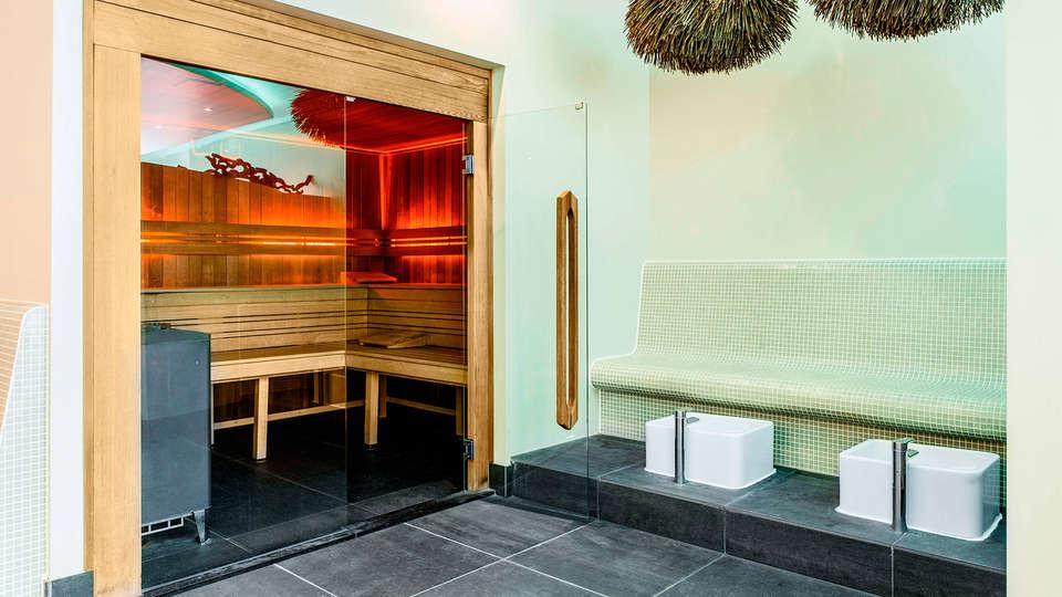 Van der Valk Hotel Breukelen - EDIT_spa2.jpg