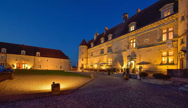 Hotel Golf Chateau de Chailly - front night