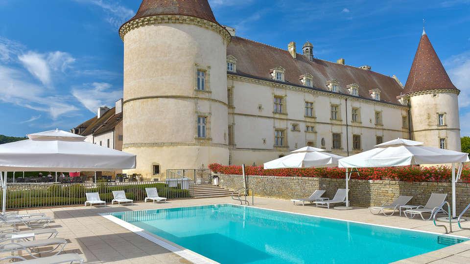 Hôtel Golf Château de Chailly - edit_pool_front4.jpg