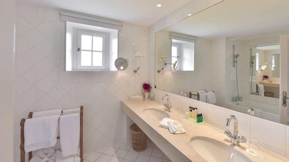 Hôtel Golf Château de Chailly - edit_prestige_bathroom.jpg