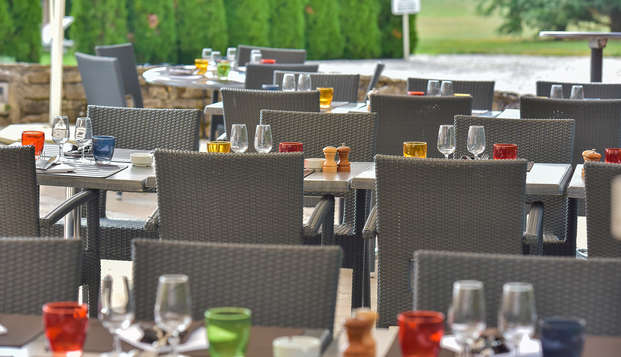 Hotel Golf Chateau de Chailly - terrace rest