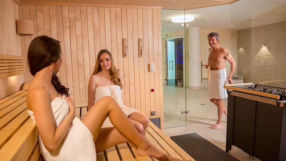 Dorint An der Messe Köln (Cologne / Keulen) - EDIT_sauna.jpg