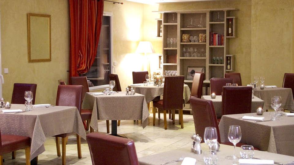 Le Place Neuve - Edit_Restaurant3.jpg