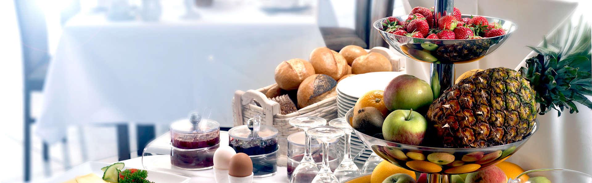 Landidyll Hotel Weidenbrück - Edit_Breakfast.jpg