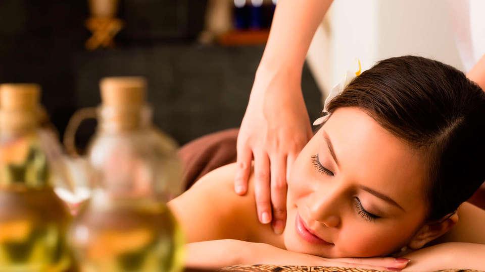 Hotel Spa Villa Pasiega - EDIT_massage1.jpg