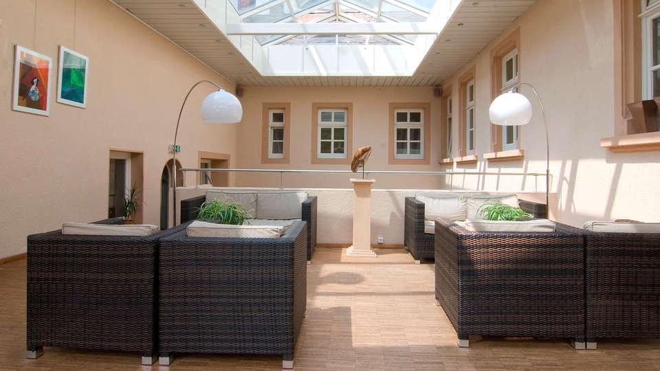 Bed & Breakfast Nitteler Hof - EDIT_patio1.jpg