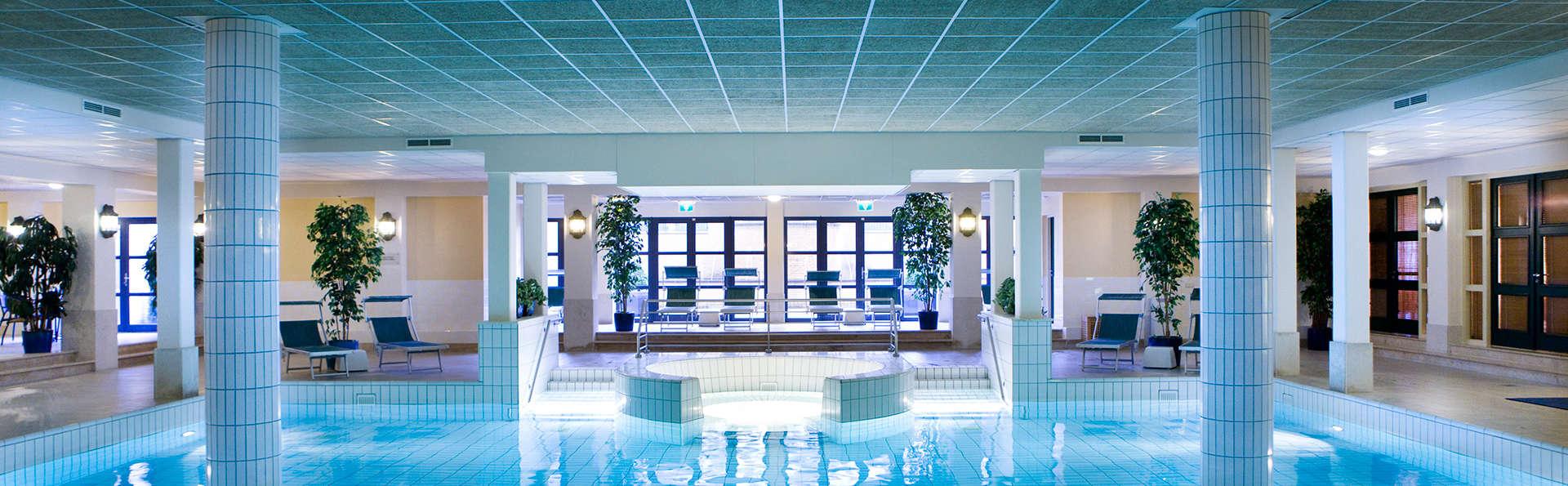 Hotel de Heerlickheijd van Ermelo - EDIT_pool.jpg