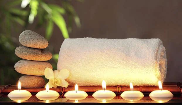 Ontspannen en genieten van luxe en wellness met kamer met zicht op de grachten