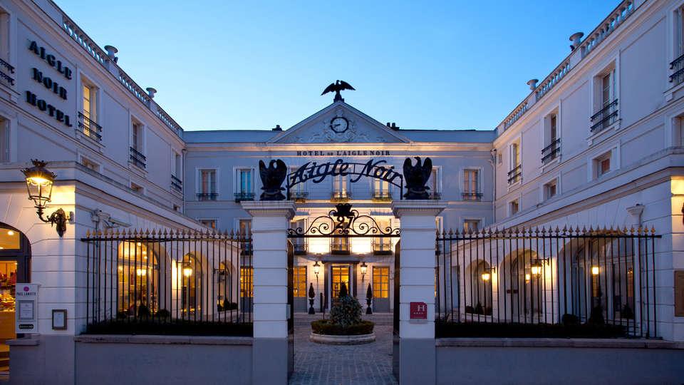 L'Aigle Noir Hôtel - Edit_Front.jpg