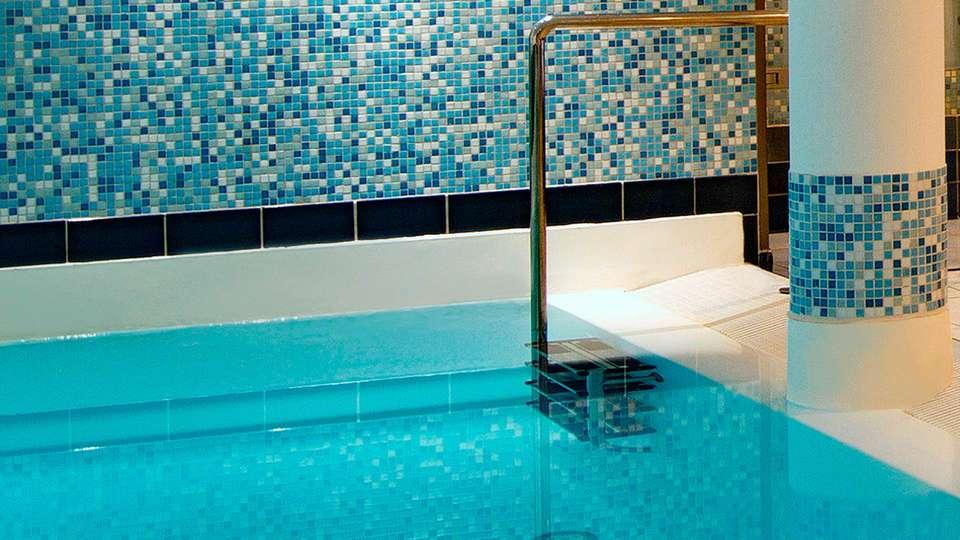 Radisson Blu Palace Hotel Noordwijk - EDIT_spa.jpg