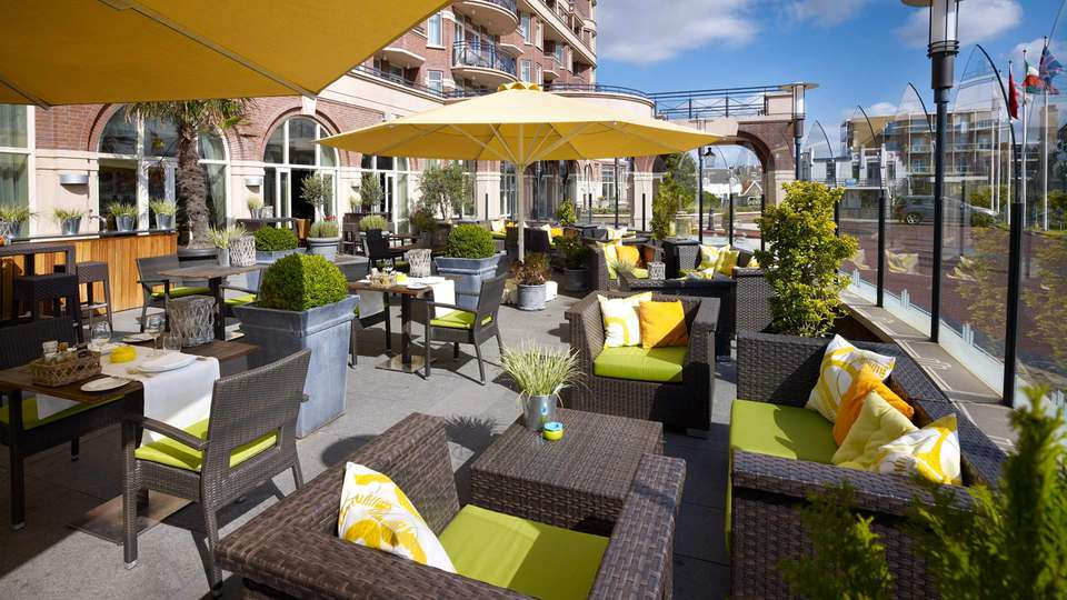 Radisson Blu Palace Hotel Noordwijk - EDIT_terrace.jpg
