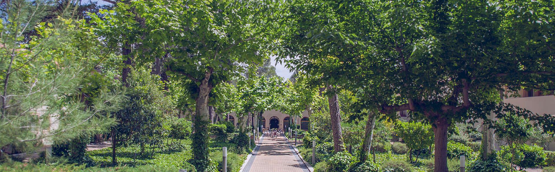 Confluent Health Resort - edit_garden2.jpg
