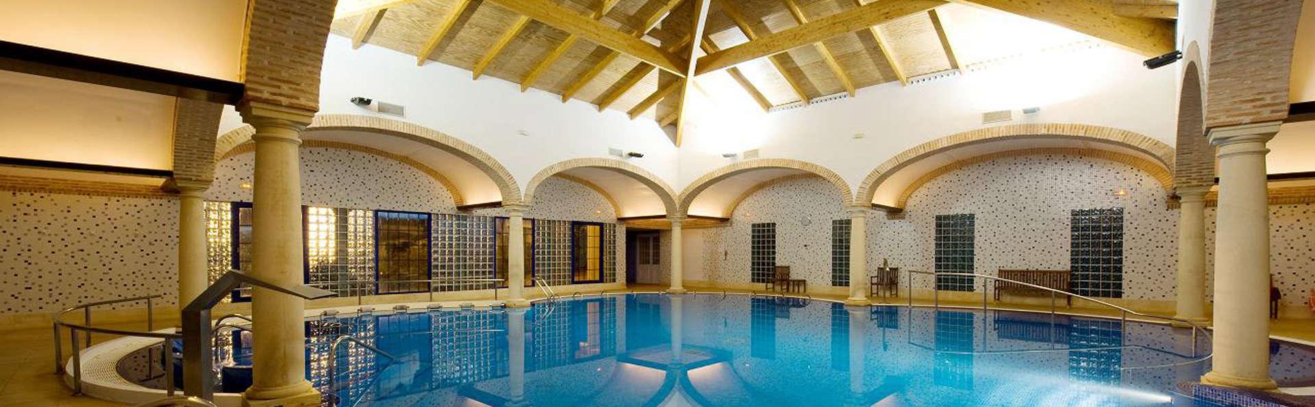 Hotel Balneario Cervantes - edit_pool1.jpg