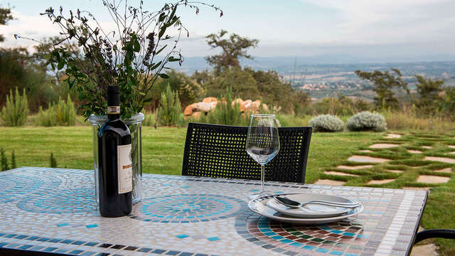 Tranquilidad y descanso en habitación superior en el corazón de la Toscana (desde 2 noches)