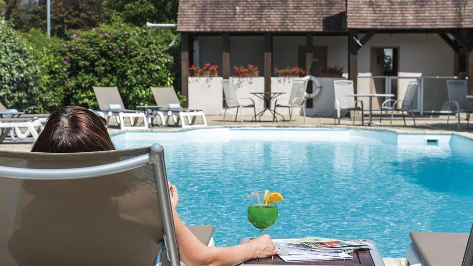 Les Jardins de Deauville - edit_pool2.jpg