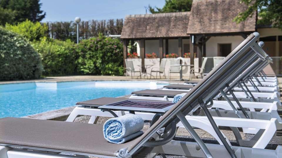 Hôtel Vacances Bleues Les Jardins de Deauville - edit_pool4.jpg