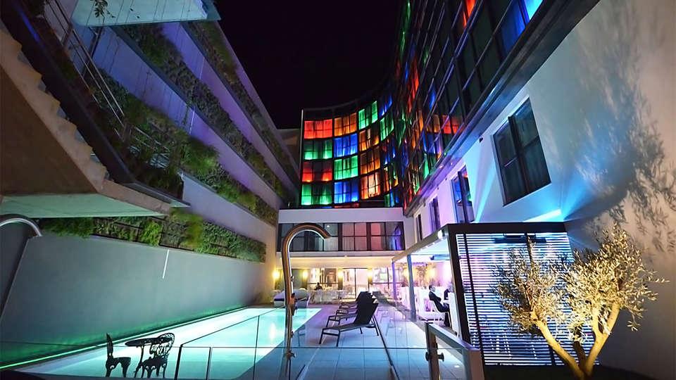 Holiday Inn Dijon Toison d'Or - EDIT_pool3.jpg