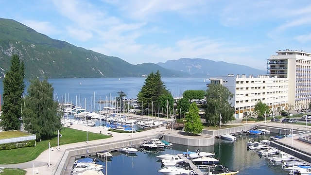 Week-end détente & SPA en face du Lac du Bourget avec vue sur les montagnes, à Aix-les-Bains