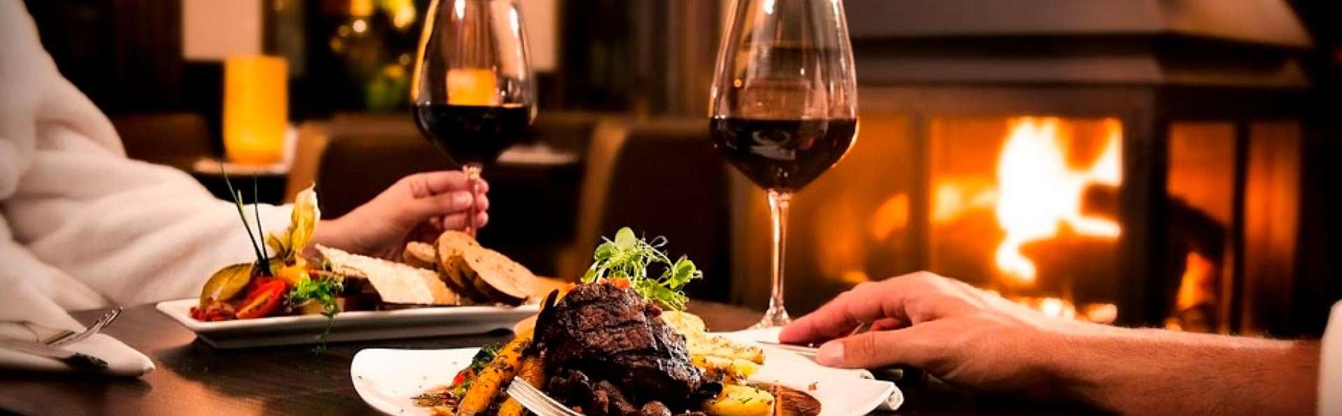 Cena en el corazón del macizo del Jura cerca de Bourg-en-Bresse