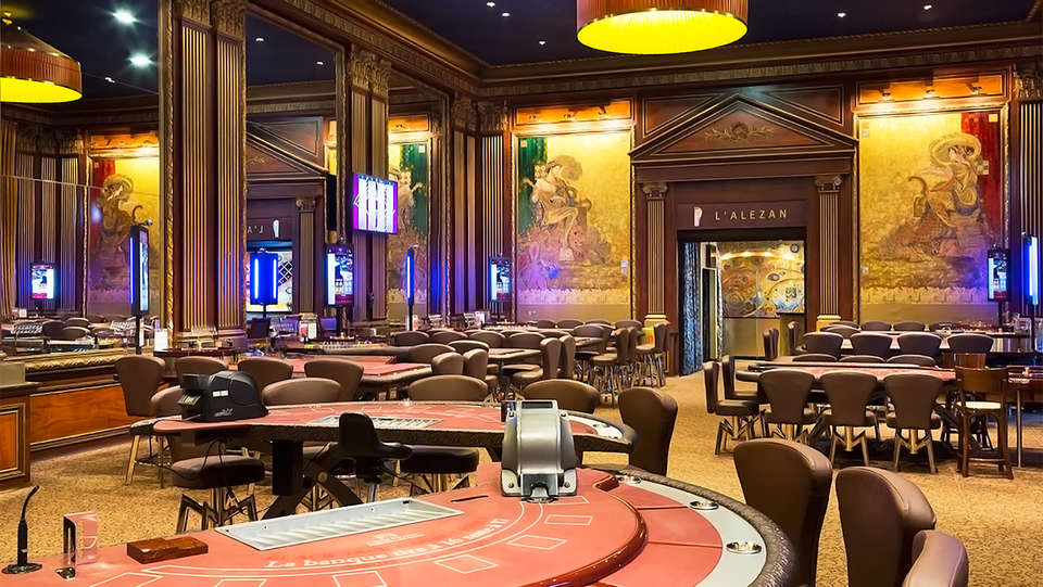 Hôtel Barrière L'Hôtel du Lac - EDIT_casino.jpg