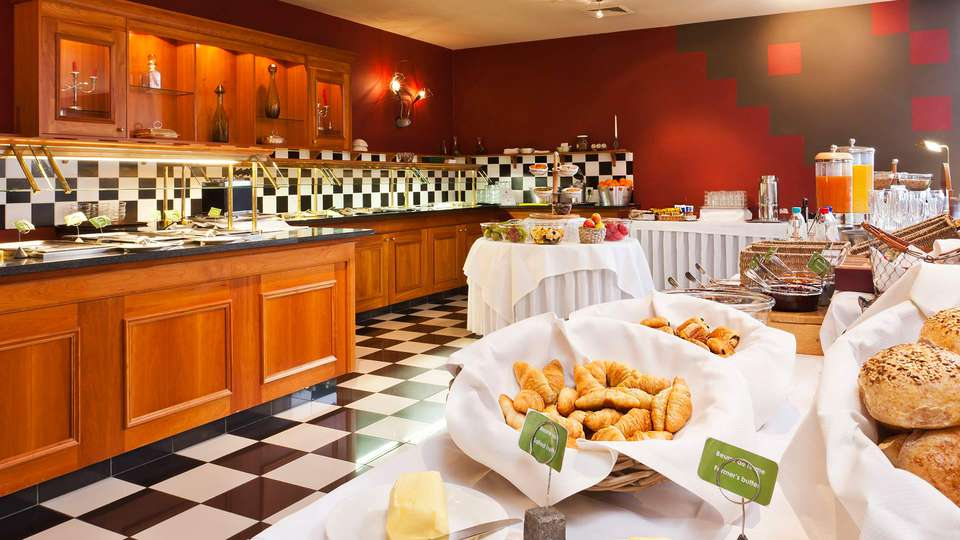 Silva Hotel Spa-Balmoral - EDIT_NEW_buffet.jpg