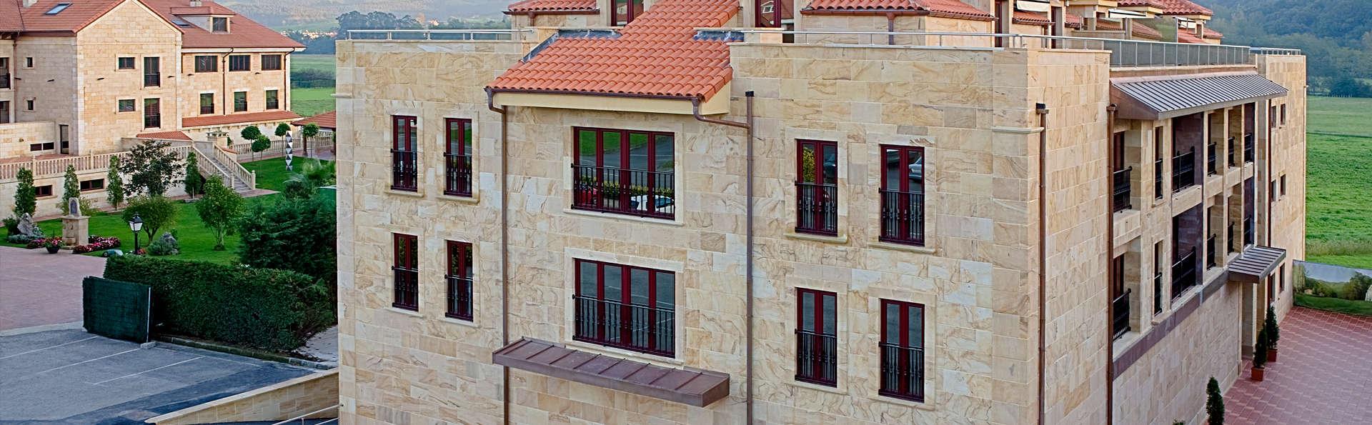 Apartamentos la Albarca - edit_front.jpg
