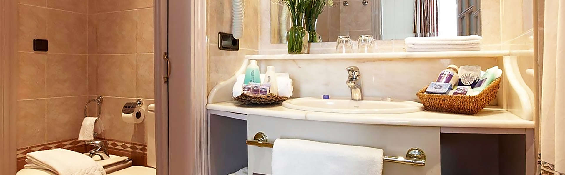 Gran Hotel Balneario de Cestona - EDIT_bath.jpg