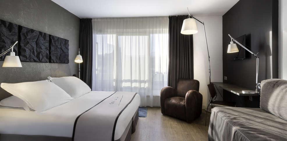 week end spa clermont ferrand avec acc s au centre royatonic pour 2 adultes partir de 136. Black Bedroom Furniture Sets. Home Design Ideas