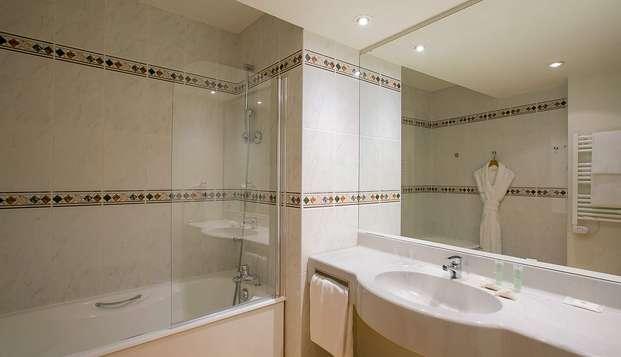BEST WESTERN Hotel Sourceo - NEW bath