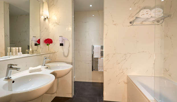 Hotel Chateau Et Spa Grand Barrail - Salle-de-bain-