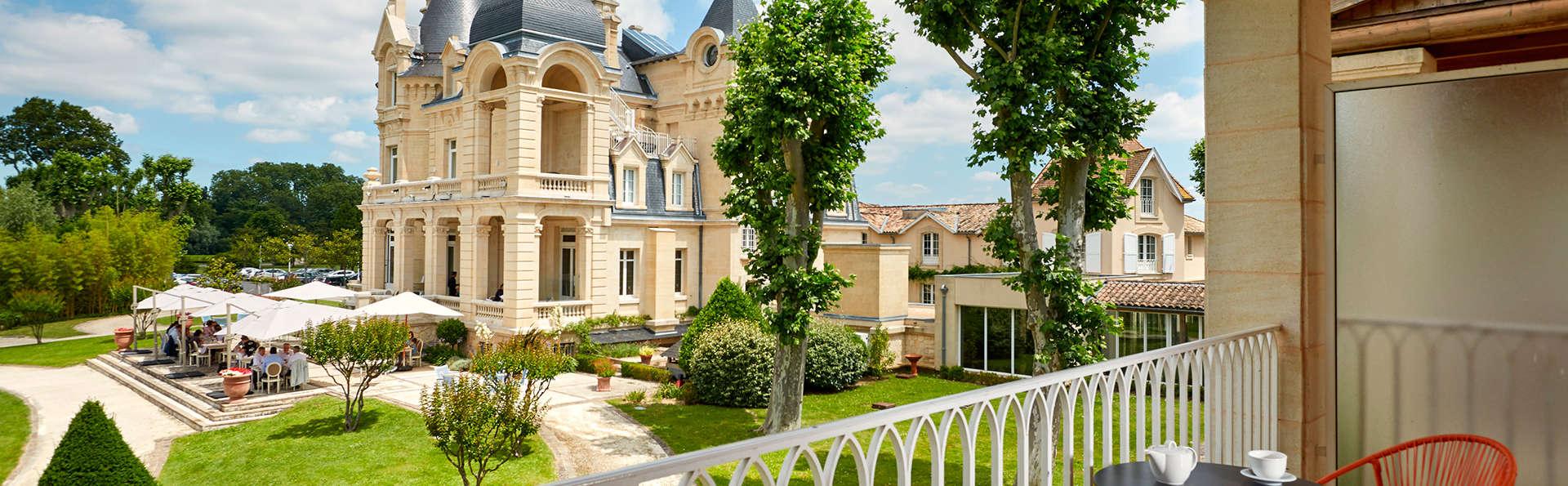 Hôtel Château Et Spa Grand Barrail - edit_Vue-sur-parc.jpg