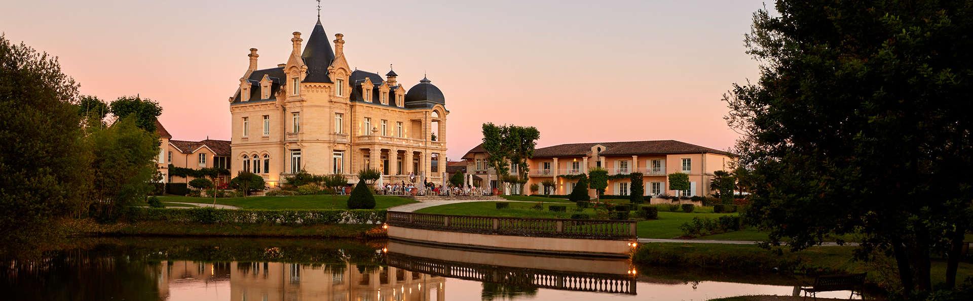 Hôtel Château Et Spa Grand Barrail - edit_Vue-sur-parc-11.jpg