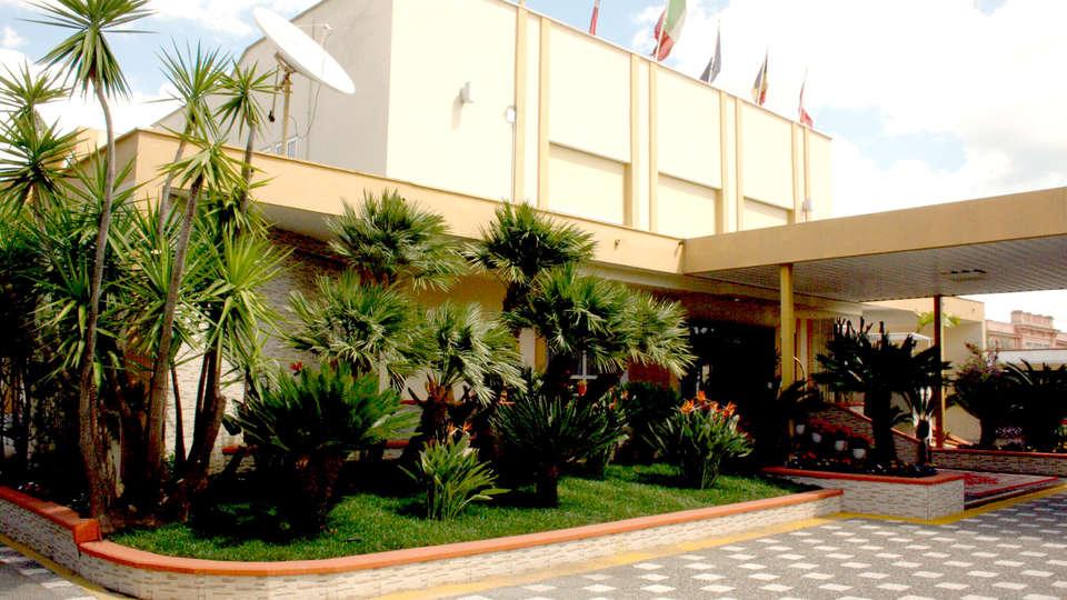 Hotel Villa - Edit_Front.jpg