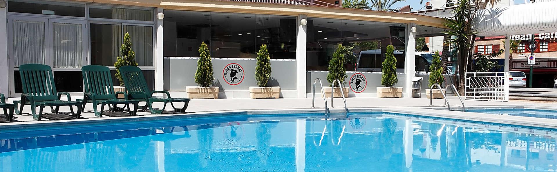 Gran hotel Flamingo - EDIT_pool1.jpg