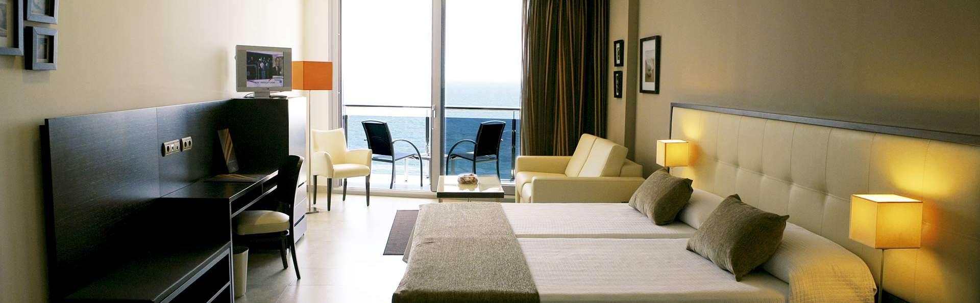 Gran Hotel Sol y Mar (Adults Only) - EDIT_room2.jpg