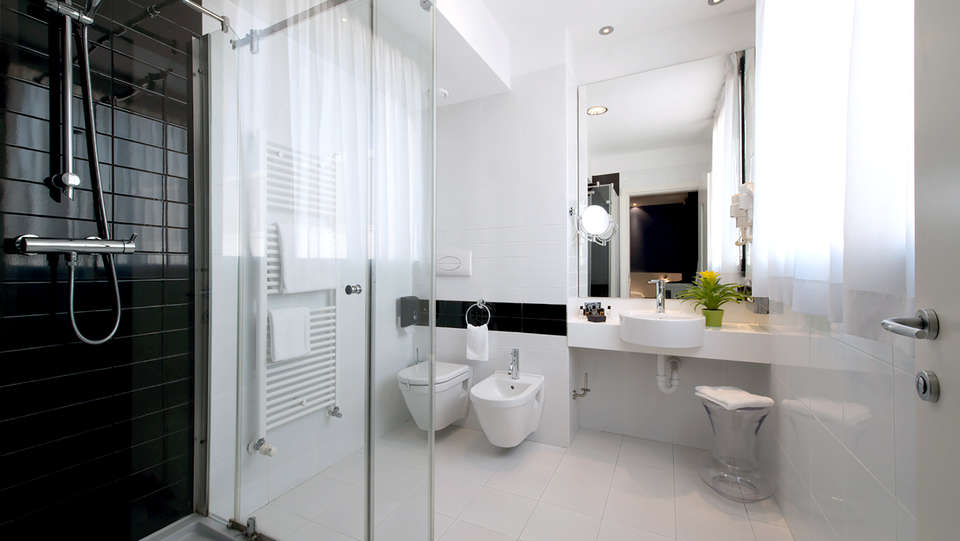 Neo Hotel - Edit_Bathroom.jpg