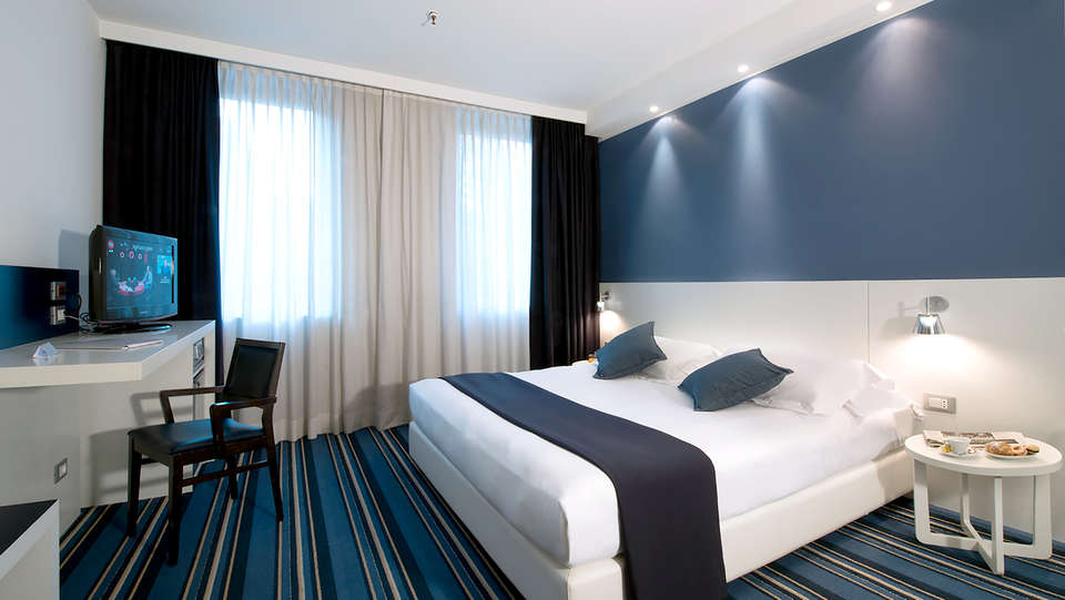Neo Hotel - Edit_Room5.jpg
