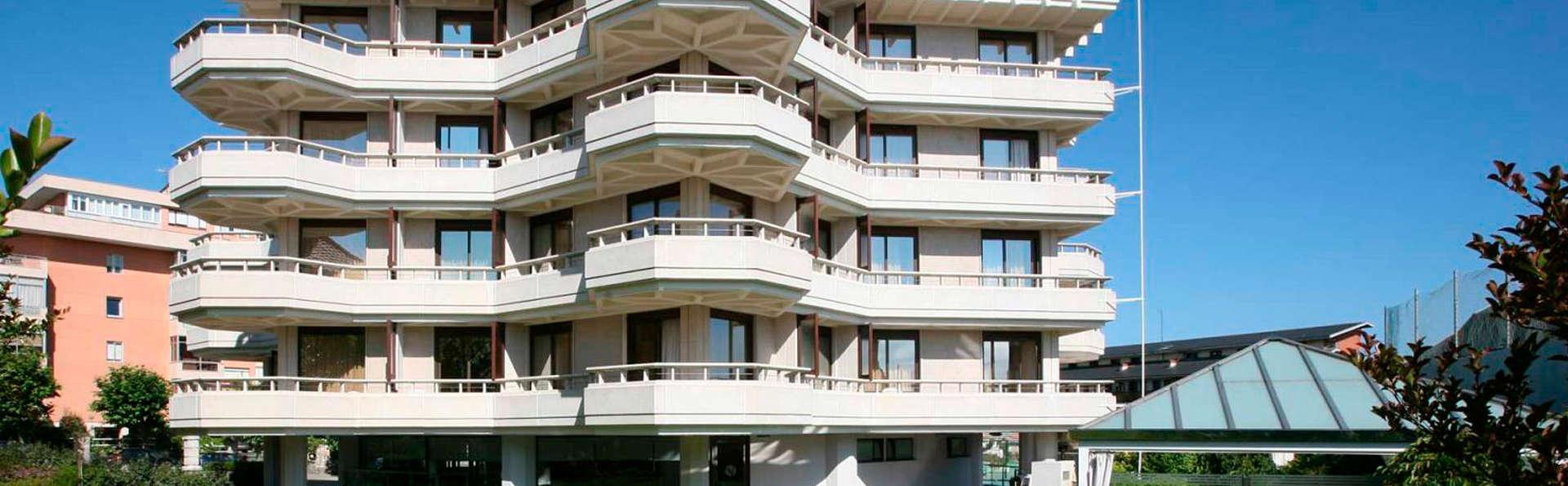 Gran Hotel Victoria - edit_front.jpg