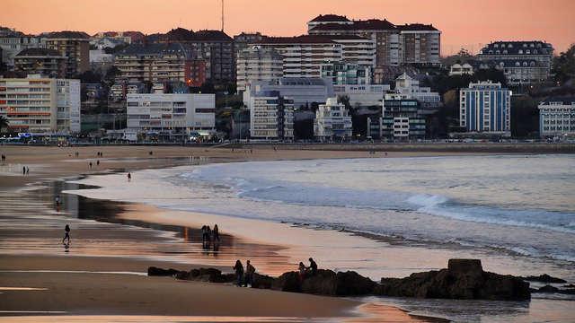 Escapada con Cava en la Playa del Sardinero de Santander