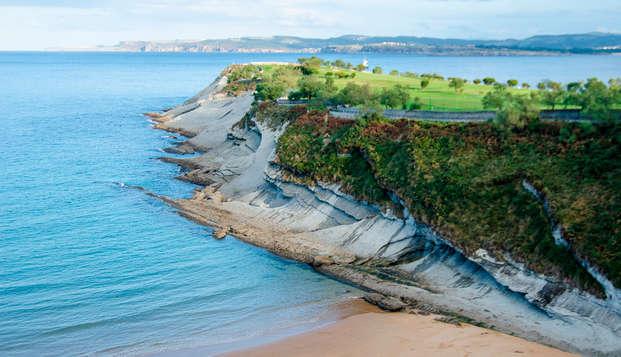 Escapada frente la Playa del Sardinero de Santander con botella de cava de regalo