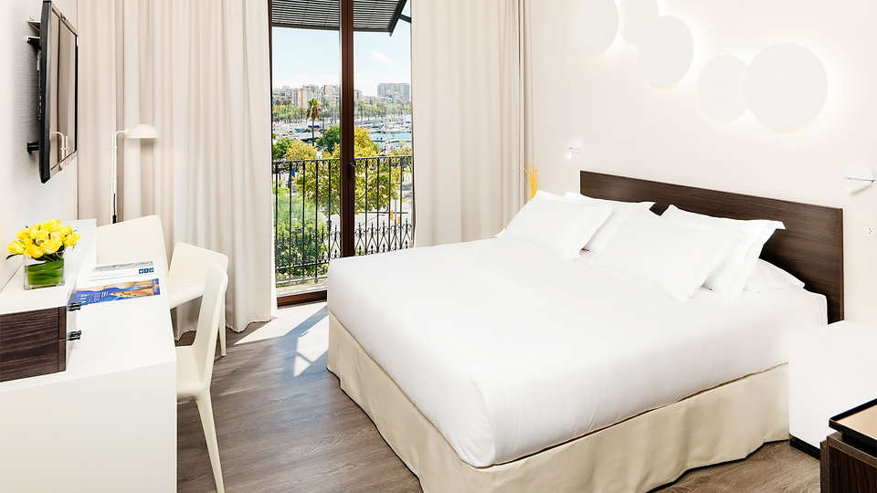 H10 Port Vell - EDIT_room2.jpg
