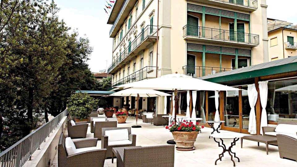 Grand Hotel Croce di Malta - Edit_Terrace2.jpg