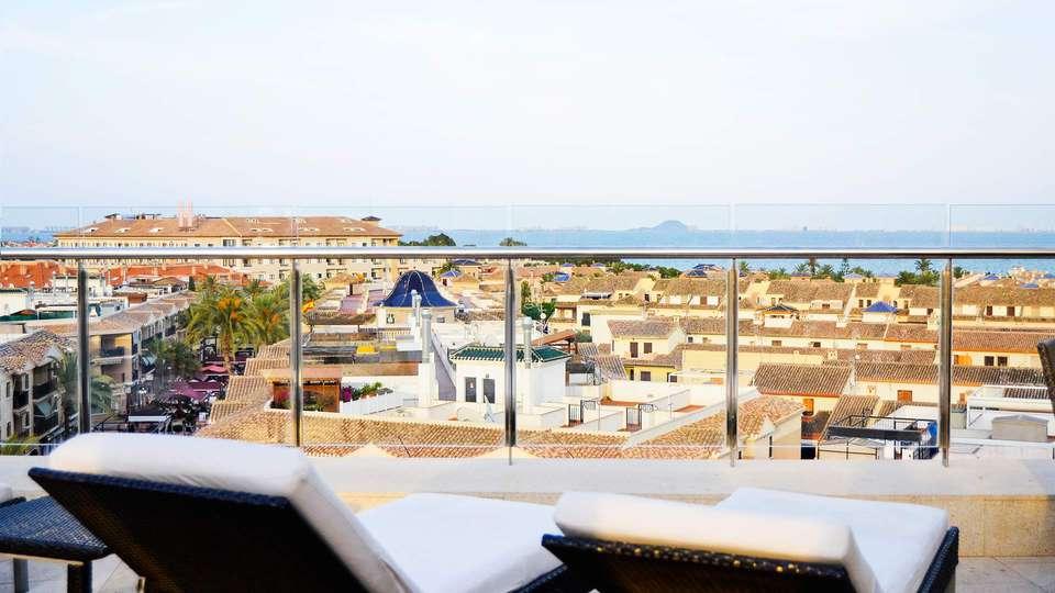 Hotel 525 - EDIT_terrace.jpg