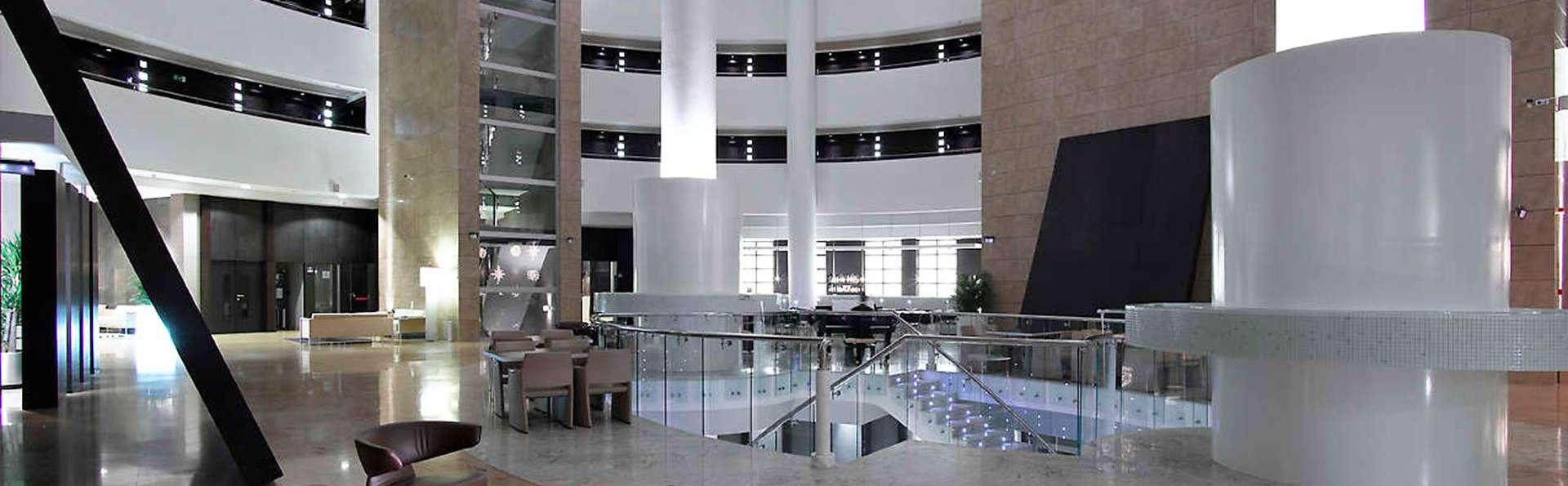 Hotel Abades Nevada Palace - EDIT_lobby.jpg