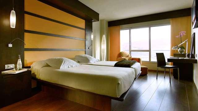 Explora Granada alojándote en un hotel de diseño 4* a 10min del centro