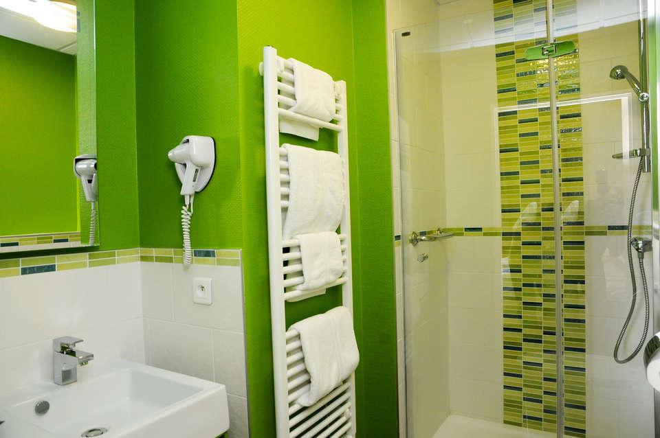 Résidence Le Métropole - residence-cerise-le-metropole-luxeuil-les-bains-appartement-lits-jumeaux-salle-de-bain__3_.jpg