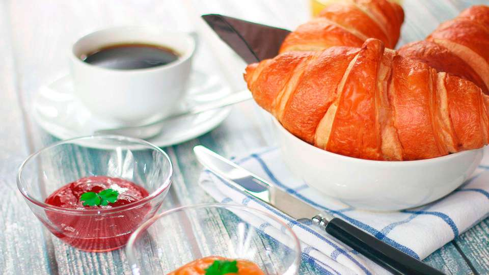 Cocoon Hotel la Rive  - EDIT_breakfast.jpg
