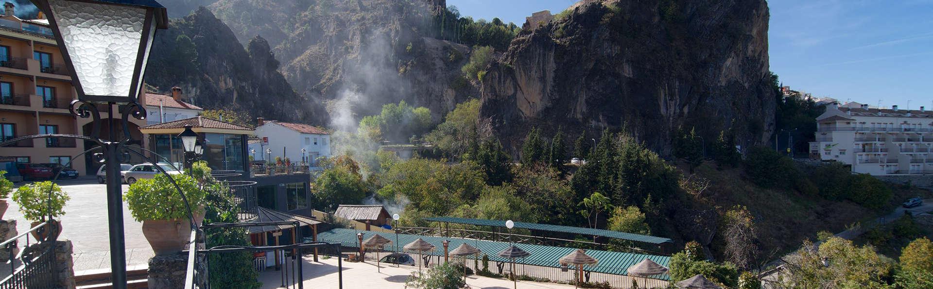 Hotel & Spa Sierra de Cazorla 4* - edit_pool2.jpg